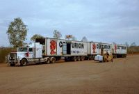 024 - Road Train auf der Strasse nach Wittenoom